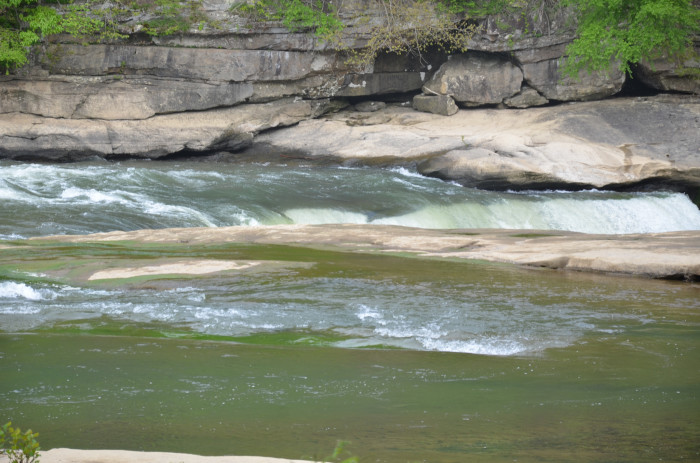 Studies say that the rock which Cumberland Falls flows over is more than 250 million years old.