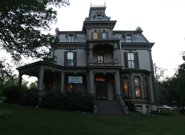 2.	Garth Woodside Mansion, Hannibal