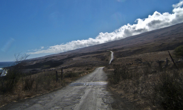 2. This winding road on Maui's southern shore is void of all signs of life.