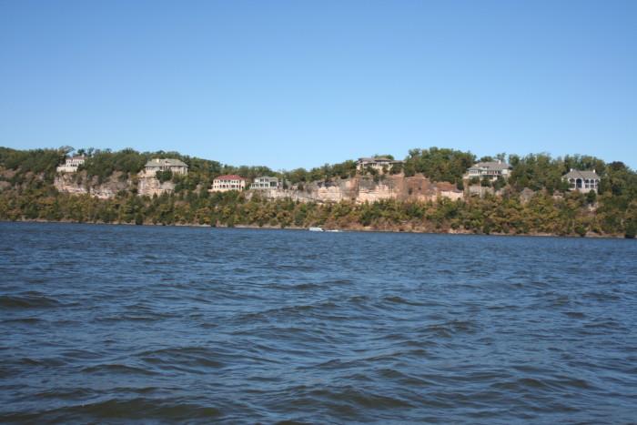 2.2. Lake_of_the_Ozarks,_MO_Houses_01