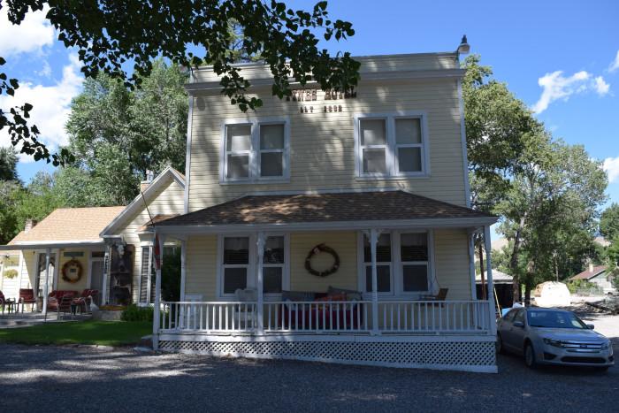Moore's Old Pine Inn, Marysvale