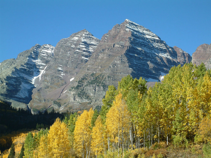 """10. """"The Maroon Bells in the Elk Range near Aspen, Colorado, USA are two of Colorado's 54 """"fourteeners"""" (peaks over 14,000 feet in elevation). This is probably the most photographed spot in Colorado!)"""""""