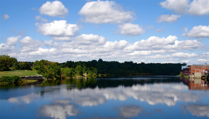 2. In 1607, the first ship ever built by English colonists in the U.S. was built along the Kennebec River in what is now Phippsburg.