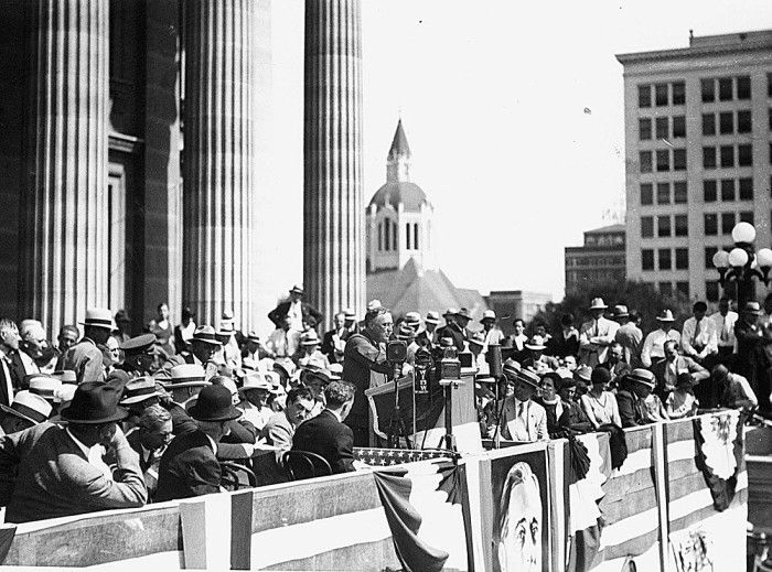 1. FDR speaks at the Kansas State Capitol. (1932)