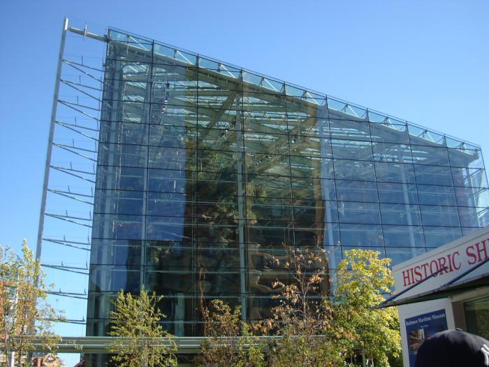 7. National Aquarium