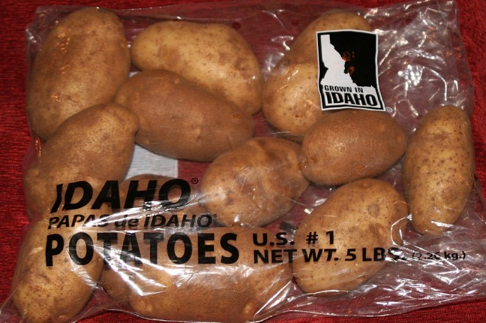 """8. Selling an """"Idaho Deluxe"""" potato with rot, blemishes, or sun damage can get you sent to jail for up to six months."""