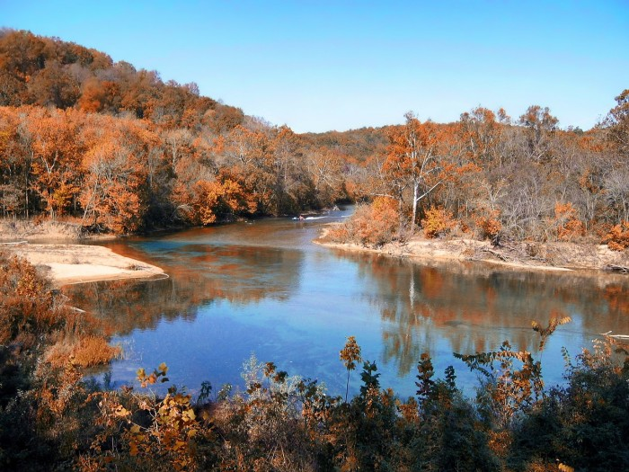 3.Water reflections on the Missouri River.