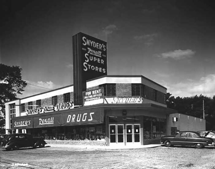 3. This is Snyders store near 66th and Lyndale in 1951.