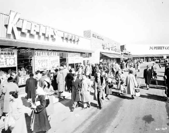 8. The crowd was shopping at Klien's Foods, Walgreens and JCPenny.