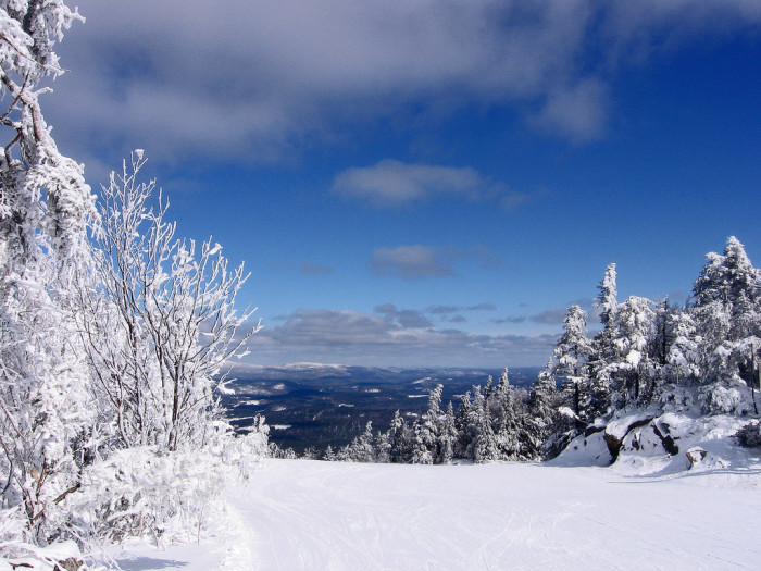 3. The view from Mount Sunapee is striking.