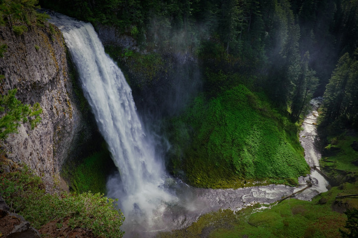 6. The dramatic Salt Creek Falls: