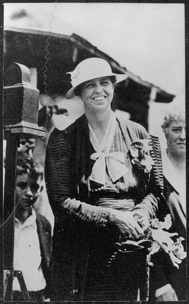 374px-Eleanor_Roosevelt_at_White_Top_Mountain,_Virginia_-_NARA_-_196155