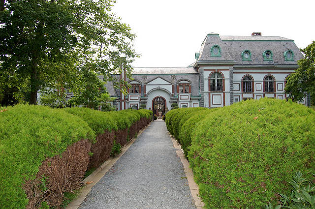 2. Belcourt Castle: This Newport chateuesque style mansion was built as a summer cottage for the Belmonts in 1895.