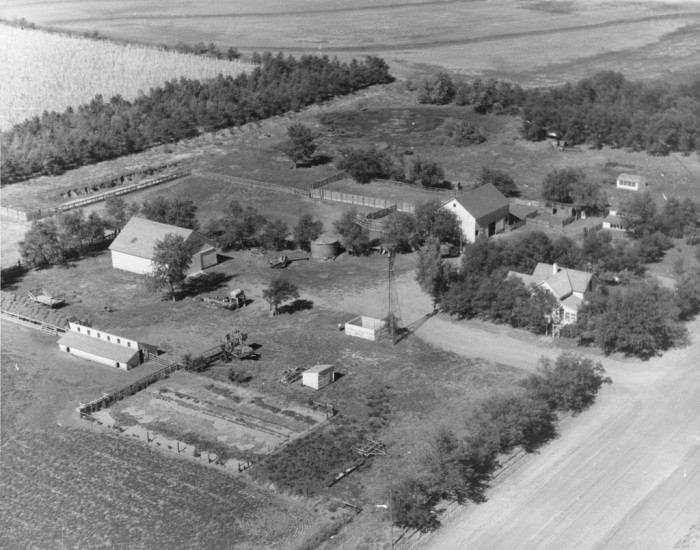 3. This aerial view of the Cornelius Family Farm, near Madrid, in the late 50s or early 60s is so pretty.