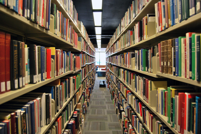 1. Wyoming is the first state in the United States to have a public county library.
