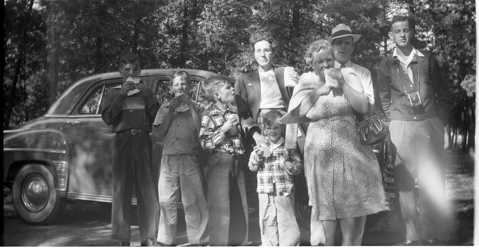 2. This family took a fun-filled trip to the Lake Superior Zoo in Duluth in 1951.