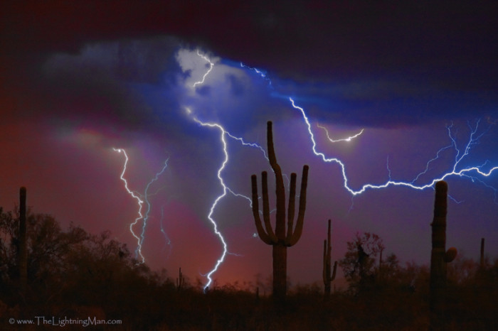 6. The best part of an Arizona summer is the monsoon season, which arrives with massive dust storms, abundant lightning shows, and, of course, our summer rains.