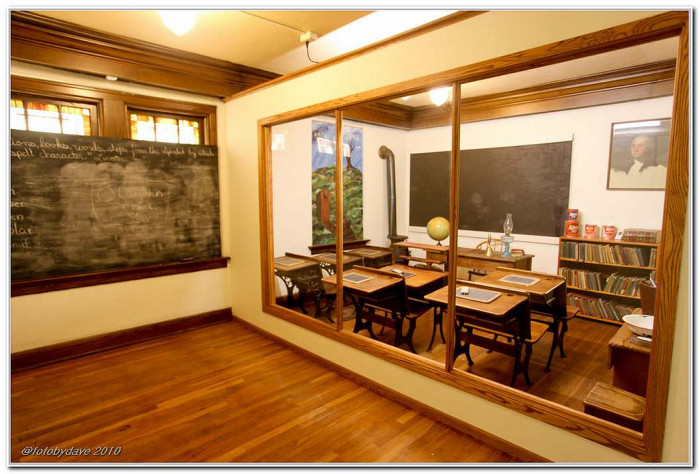 "11. ""Hays Historical Museum - School room."""