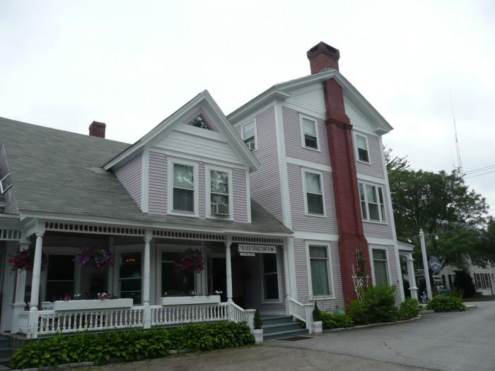 3.  Old Stagecoach Inn - 18 N Main Street, Waterbury