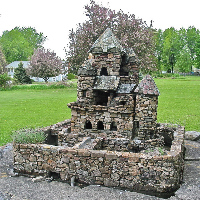 8.  Harry Barber's miniature castles, South Hero