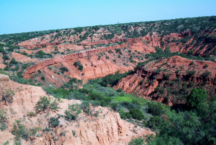 An overview of the canyons in their entirety.