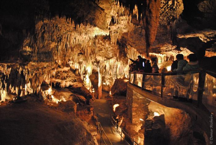 5. Lurray Caverns