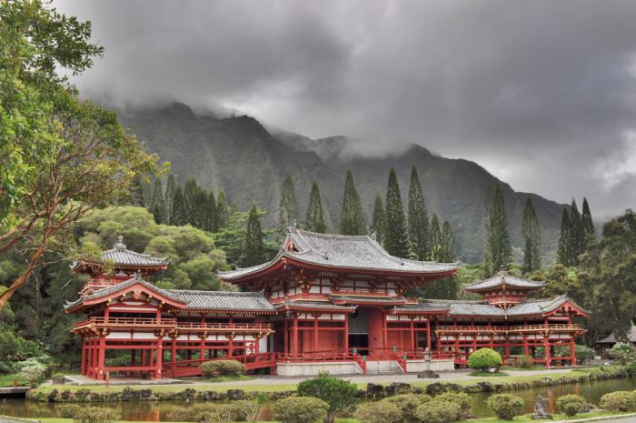 6) Byodo-In Temple