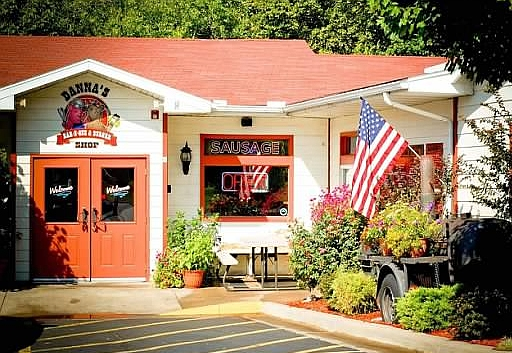 6.Danna's BBQ & Burger Shop, Branson West