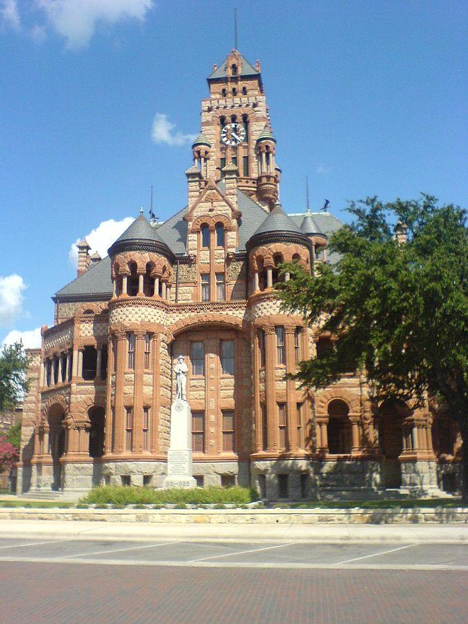 675px-Ellis_county_courthouse
