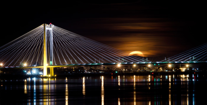 5. You can cross over this landmark in the Tri-Cities.
