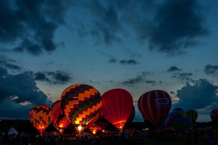 7. But sometimes the simpler skylines are just as beautiful, like these balloons during the National Balloon Classic in Indianola.
