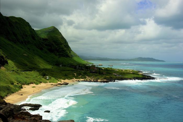 7. Oahu's southeastern shore is quite breathtaking.