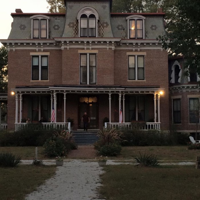 8.	Rivercene Mansion, New Franklin