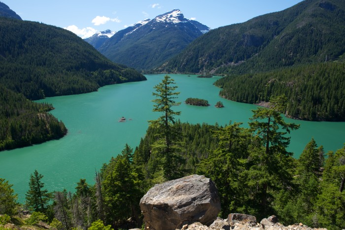 12. The vibrant waters of this lake make it instantly recognizable for many Northwest hikers.