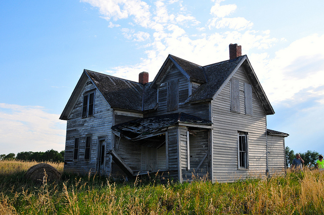 8 Possibly Haunted Houses In South Dakota