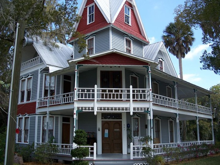 9. The May-Stringer House in Brooksville