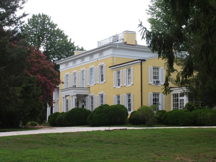 1. Causey Mansion Bed and Breakfast, Milford