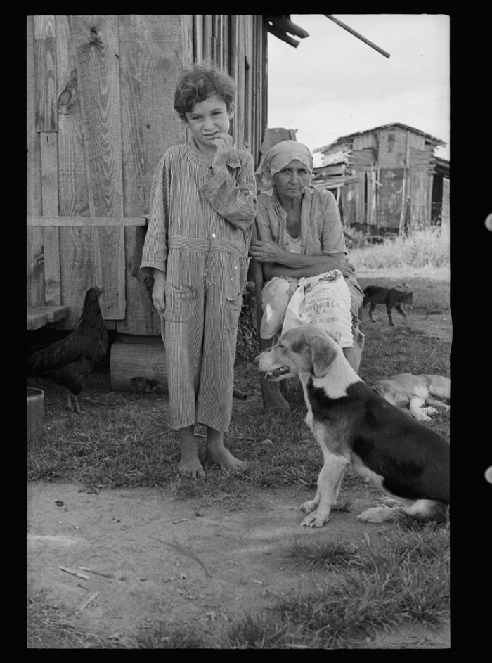 A Sharecropper's wife and child, New Orleans 1935