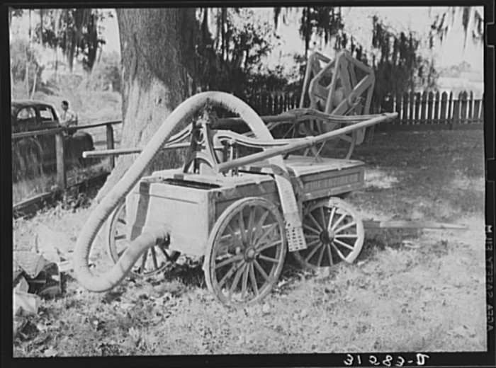 17. Old fire engine used in Saint Martinville