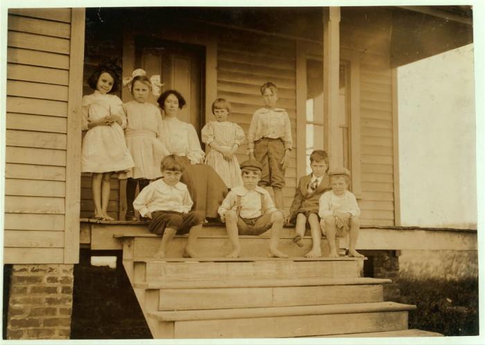 9. The 1911 class of a private school in Winona.