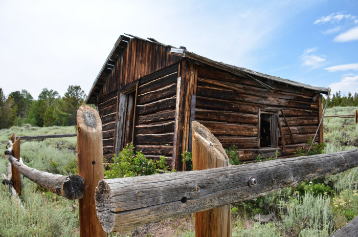 8. An abandoned cabin in Miner's Delight
