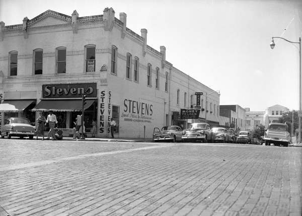 21. Corner of Monroe and Jefferson streets in Tallahassee, 1954
