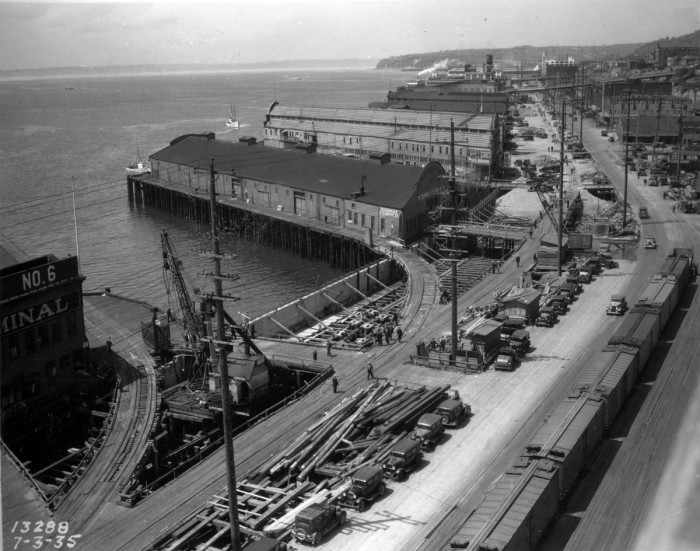 6. The Seattle waterfront in 1935.