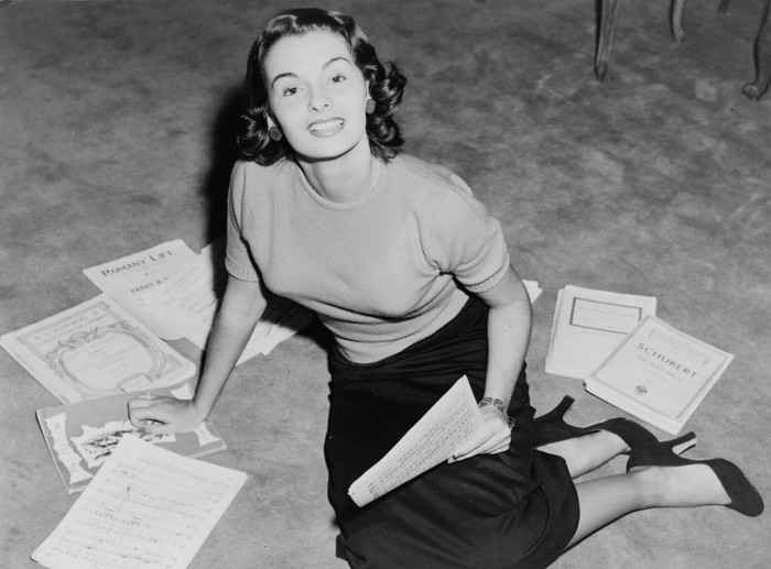 3. This photo of Miss America pageant contestant Yolande Betbeze (Miss Alabama) was taken in 1950. She was eventually crowned Miss America 1951.