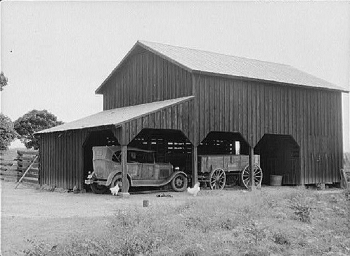 10. This vintage photo of a Coffee County, Alabama barn was taken in August 1941.