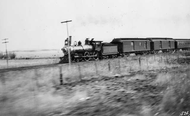 ATSF_1890s_passenger_train
