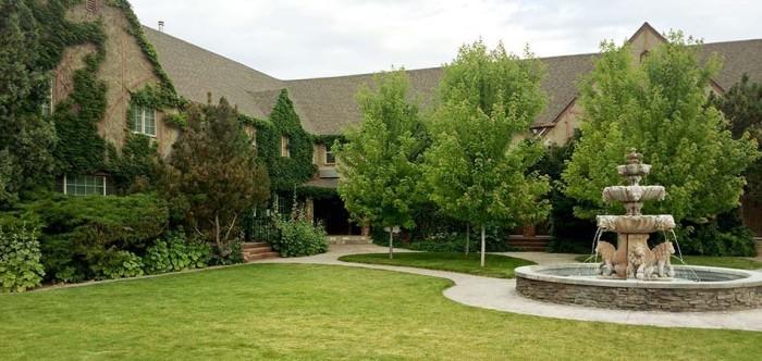 1. Black Swan Inn, Pocatello
