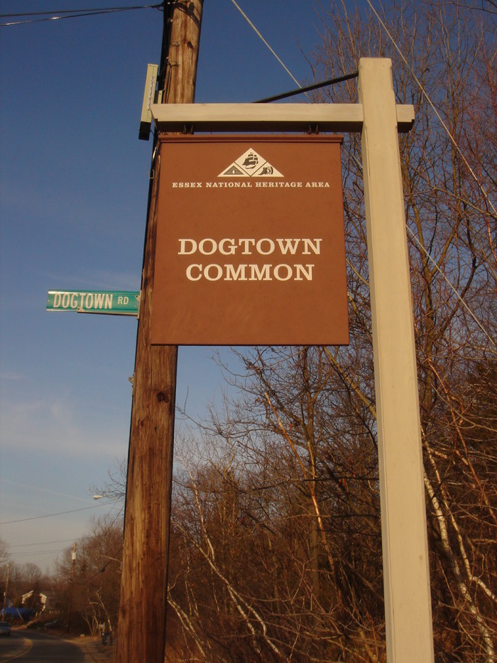 Settlers began moving to the area in 1693, mainly because the spot's inland locale granted protection from pirates and from hostile native peoples who were understandably annoyed at the uninvited guests. At its peak (1750-1800), Dogtown played host to around 100 families.