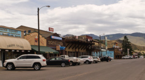 Most People Don't Know These 10 Super Tiny Towns In Montana Exist
