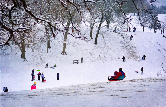 Houston Texas Snow >> The 10 Best Winter Sledding Hills In Iowa